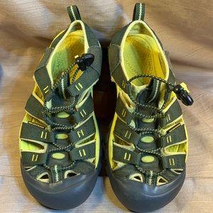 Keen waterproof worn just a few times water shoes